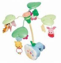 メリー・・・くるくる回る玩具。ベッドに取り付けるものや、敷物と一体型などもあります。